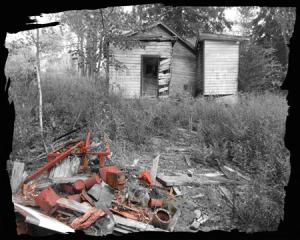 S Uzelmeier-abandoned bldg