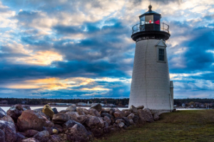 11King-lonely Maine lighthouse